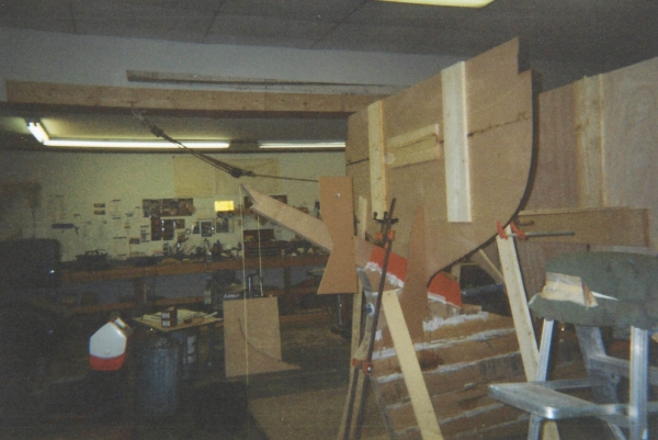 Setting up the station molds at her horn timber.